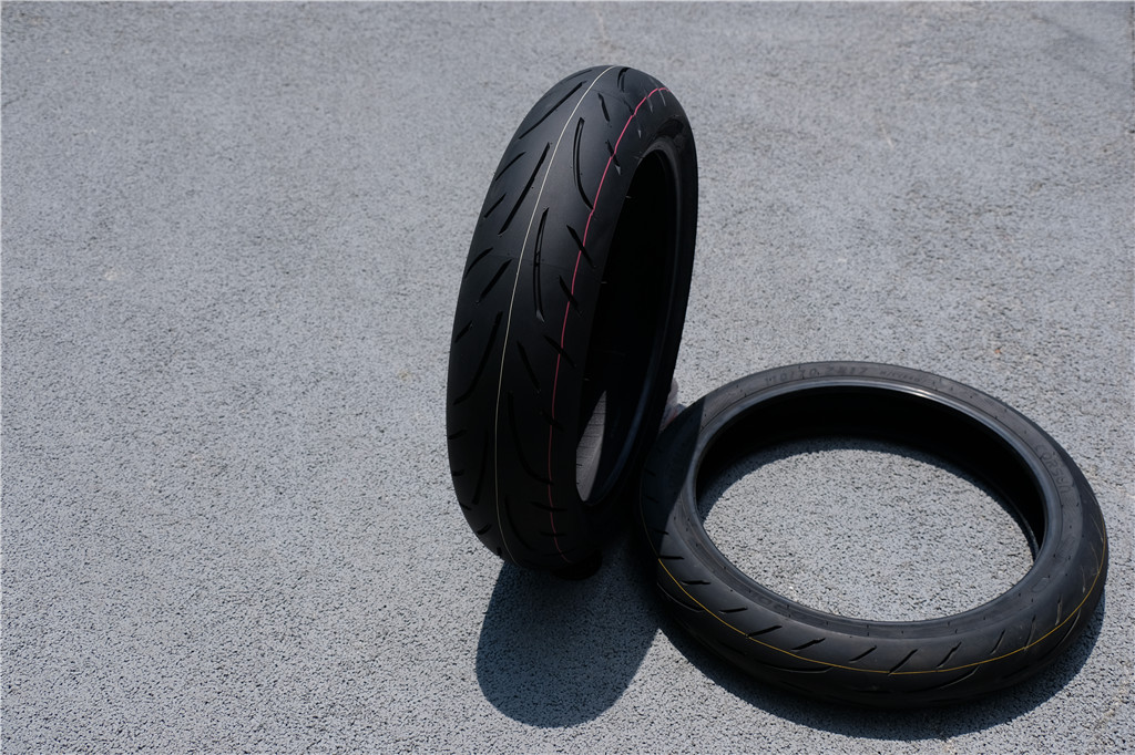 Yuanxing Sport Bike Radial Tire Review Yuanxing Sport Bike Radial Tire Review 7
